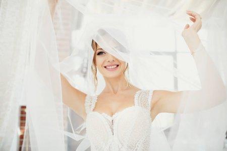 Tiesūs dantys iki vestuvių: greitai ir be streso